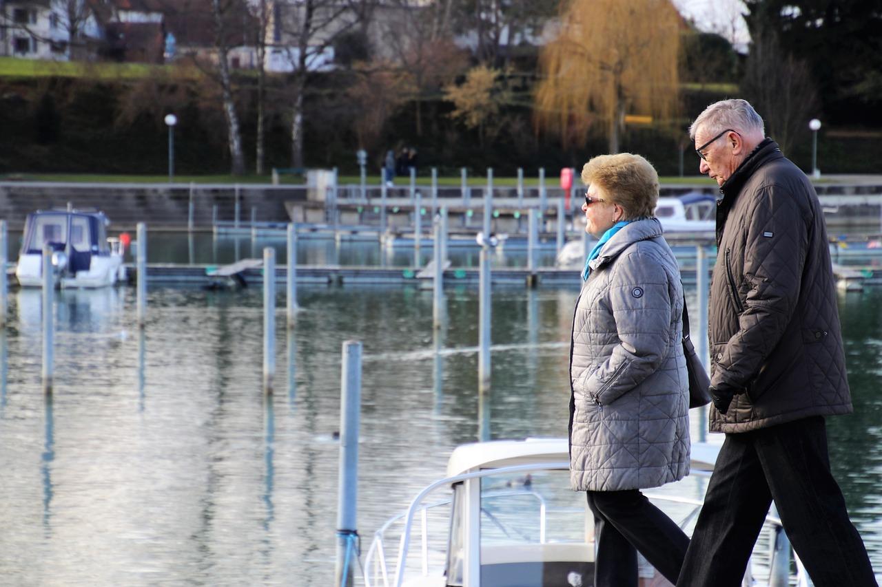 Пожилые пары могут получить прибавку к пенсии. Сколько она составит